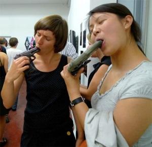 girls-ice-cream-gun 1