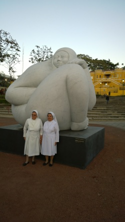 Jiménez Deredia, sculpture in San José, with nuns, Feb 19 - 1