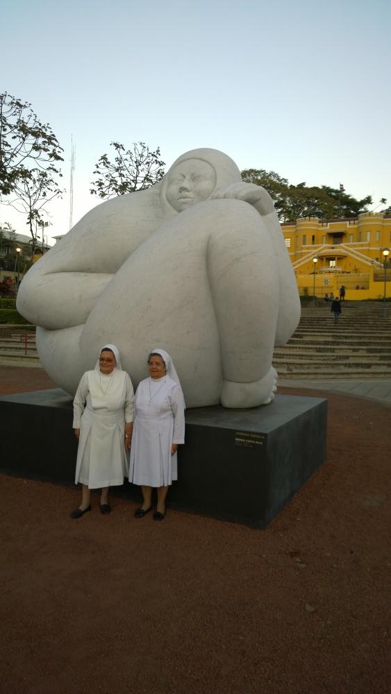 Jiménez Deredia, sculpture in San José, with nuns, Feb 19 - 1
